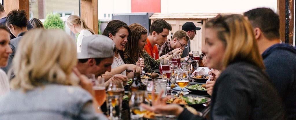 der Stammtisch mit Freunden