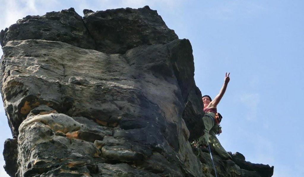Kletterer hat den Gipfel geschafft